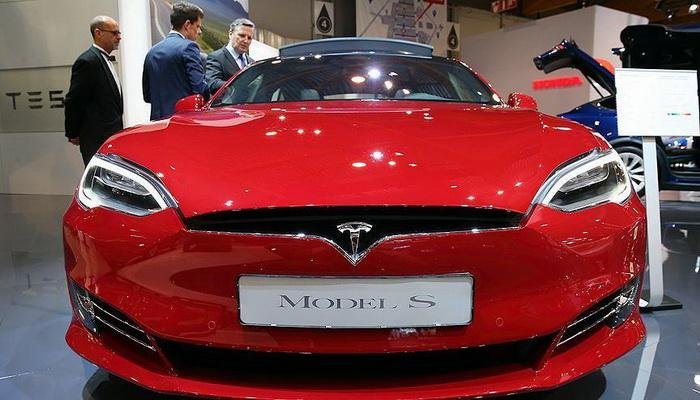 Ekonomista upozorava da će se Elon Musk za nekoliko mjeseci naći na rubu bankrota