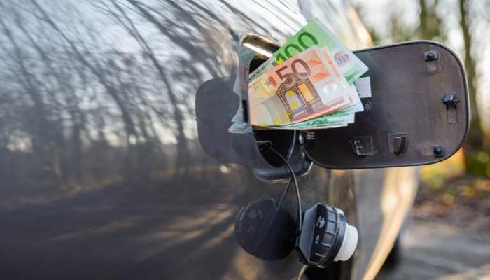 Srbija rekorder po nametima na gorivo, vozač za takse daje 60%