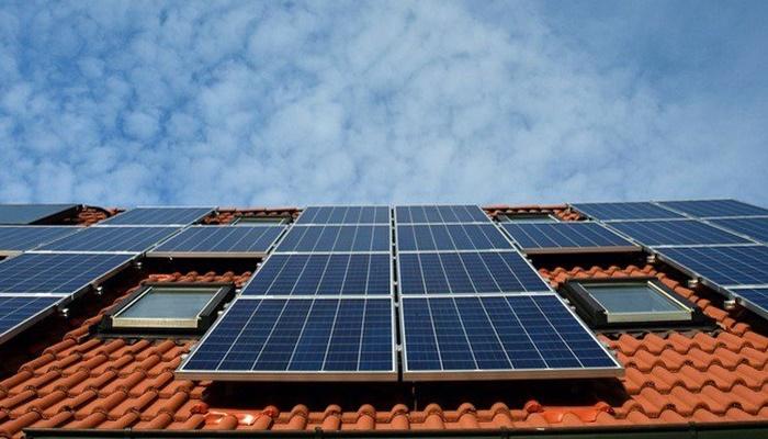 Solarni paneli na krovovima gotovo svih novih kuća u Californiji će biti obavezni