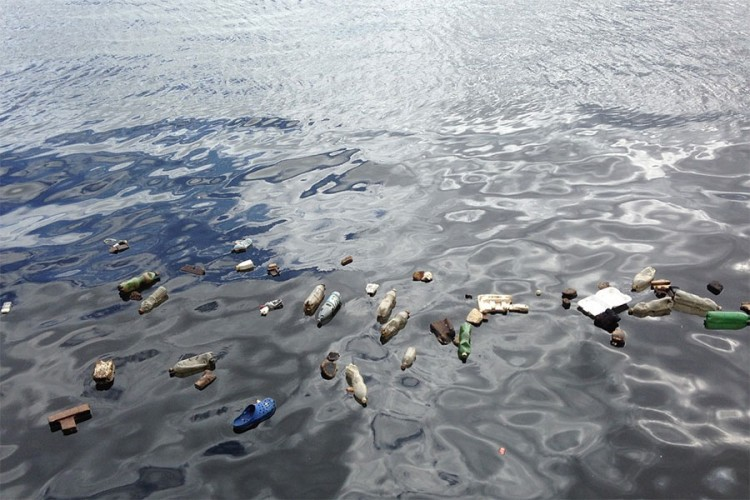 Nova biorazgradiva plastika se razlaže na suncu i zraku