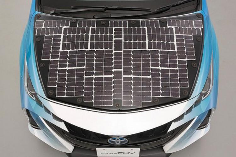 Toyota radi na automobilu na solarni pogon