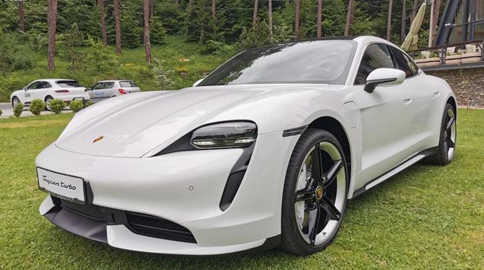 Električna budućnost: Porsche Taycan predstavljen u Sarajevu