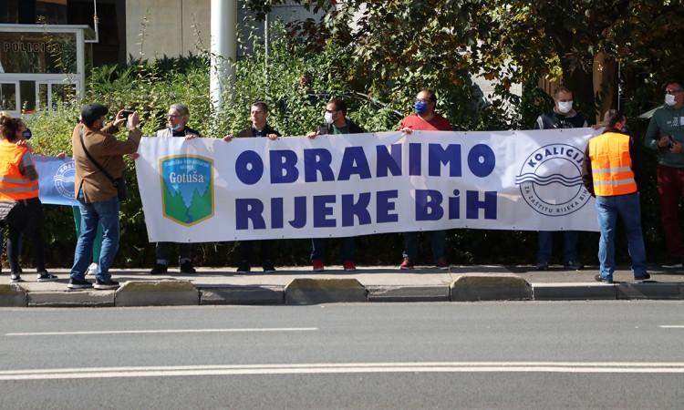 Protest u Sarajevu: Hitno primijeniti zaključak o zabrani izgradnje MHE