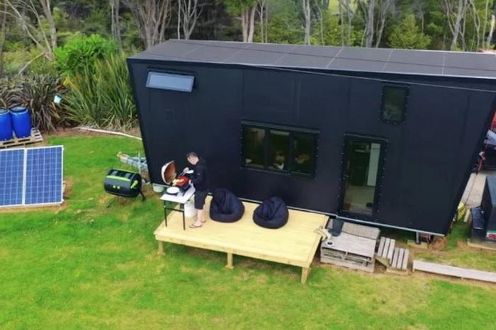 Minijaturnu kuću na Novom Zelandu napajaju solarni paneli
