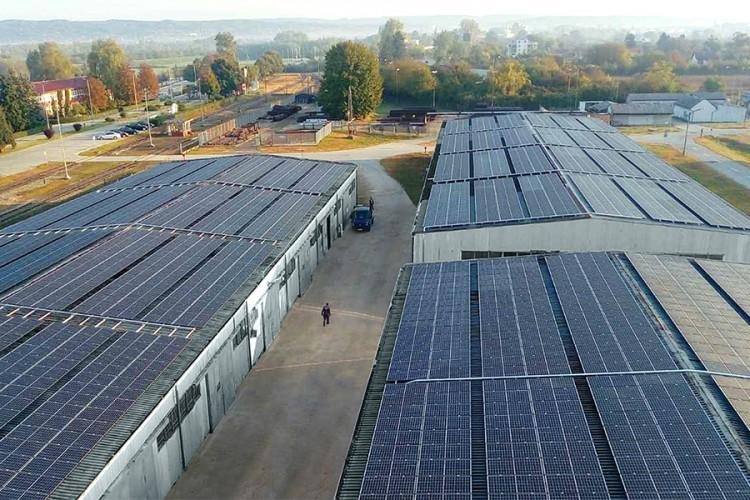 Prvi kilovati struje iz solarne elektrane u Rafineriji nafte u Brodu