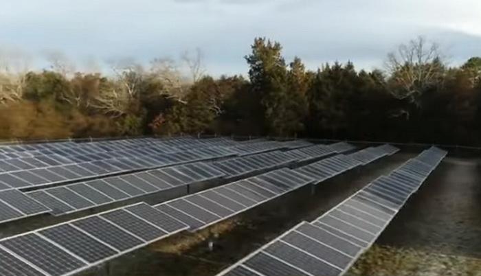 Škola u Arkansasu stvara energiju pomoću solarnih panela, nastavnici dobili povišice