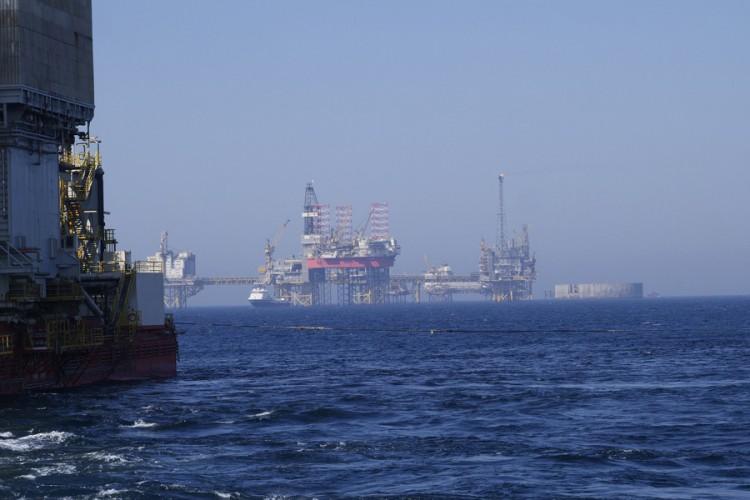 """Analitičari upozoravaju: Cijene nafte mogle bi """"divljati"""" tokom ljeta"""