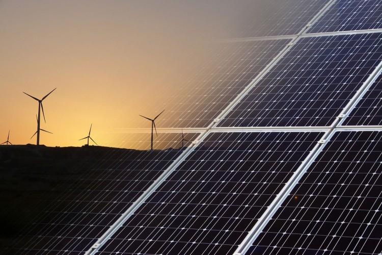 Solarne ploče iznad autoputeva postaju realnost